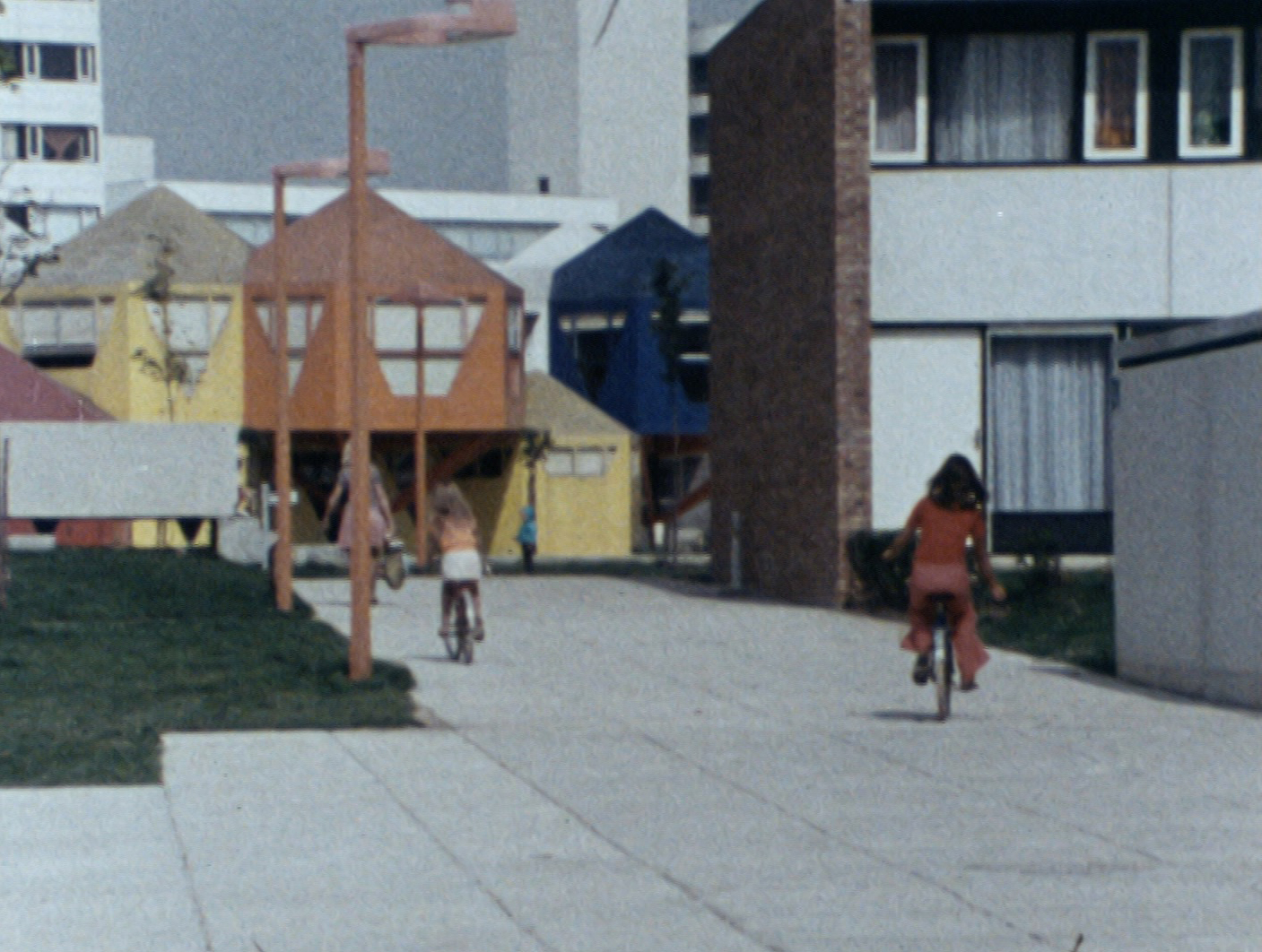shellac-enfance-dune-ville-image-4648-copyright-shellac.jpg